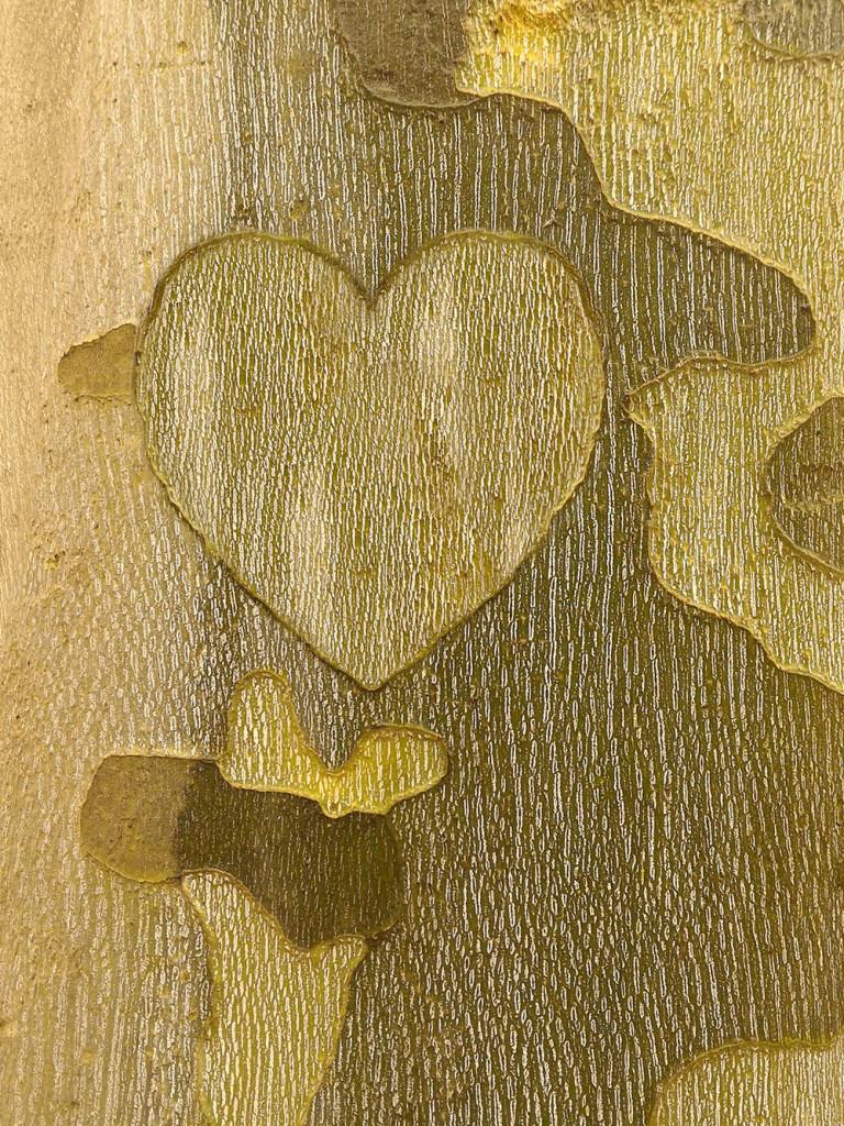 Sycamore Bark Heart